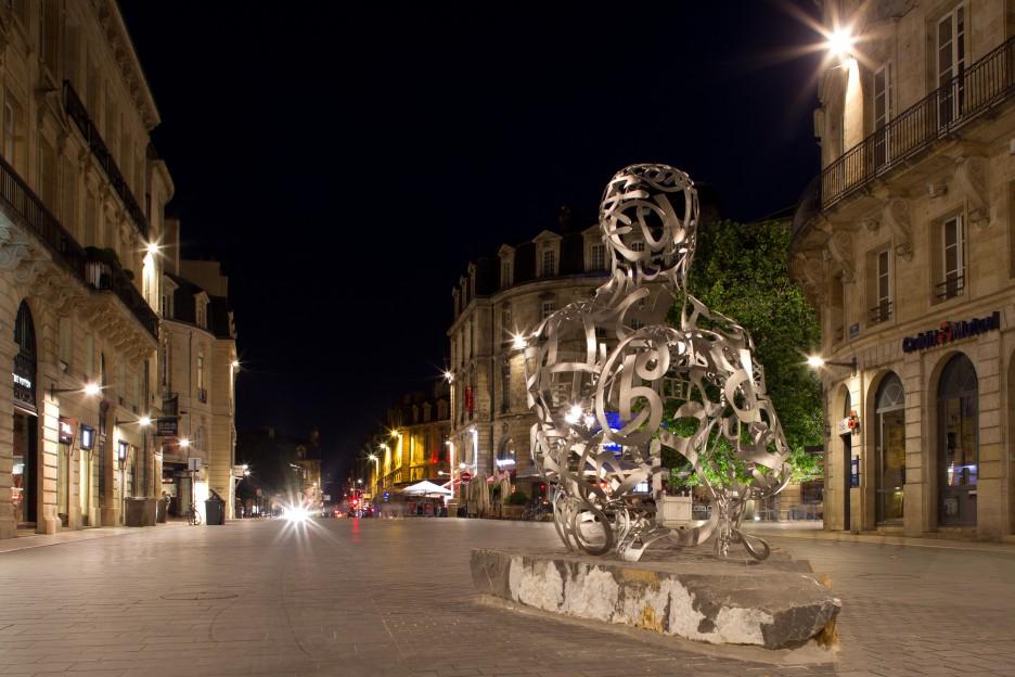 Oeuvre Jaume Plensa Cour de l'Intendance à Bordeaux