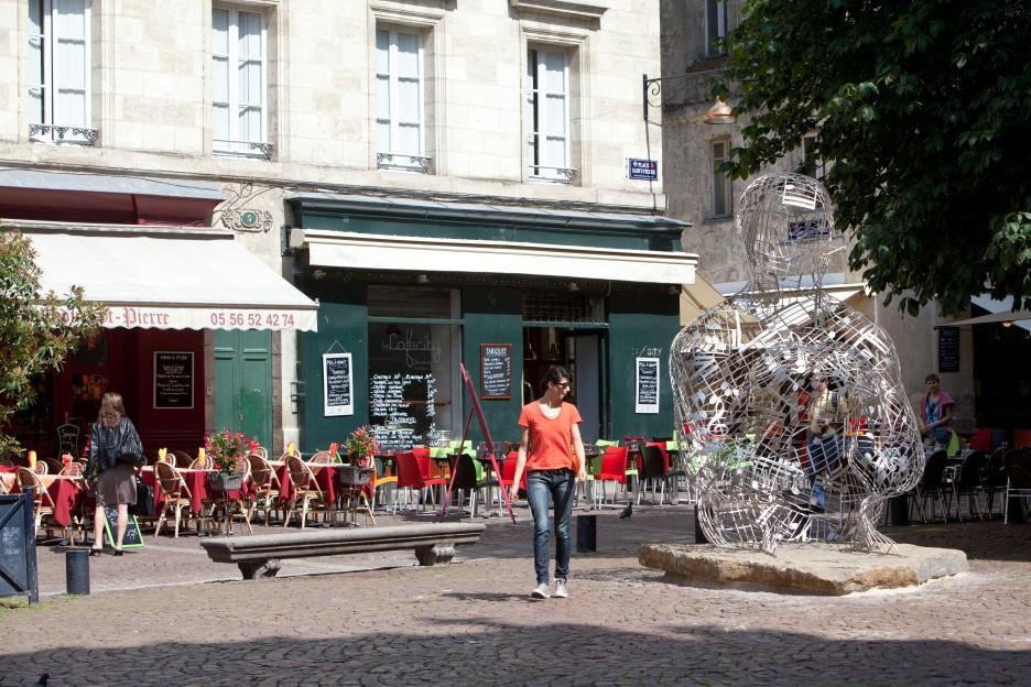Oeuvre Jaume Plensa place Saint-Pierre à Bordeaux en Paysage